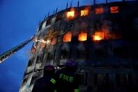 آتش سوزی در یک کارخانه در بنگلادش ٥٢ کشته برجای گذاشت