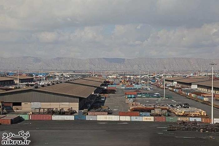 صدور دستور قضایی برای ترخیص ۳۰۰۰ کانتینر کالای رها شده در بندر شهید باهنر بندرعباس
